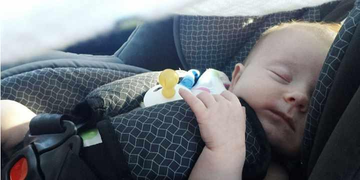 ¿Pueden los bebés viajar en autobús?