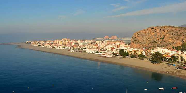 Excursiones a la costa: 4 destinos de ensueño sin salir de Granada