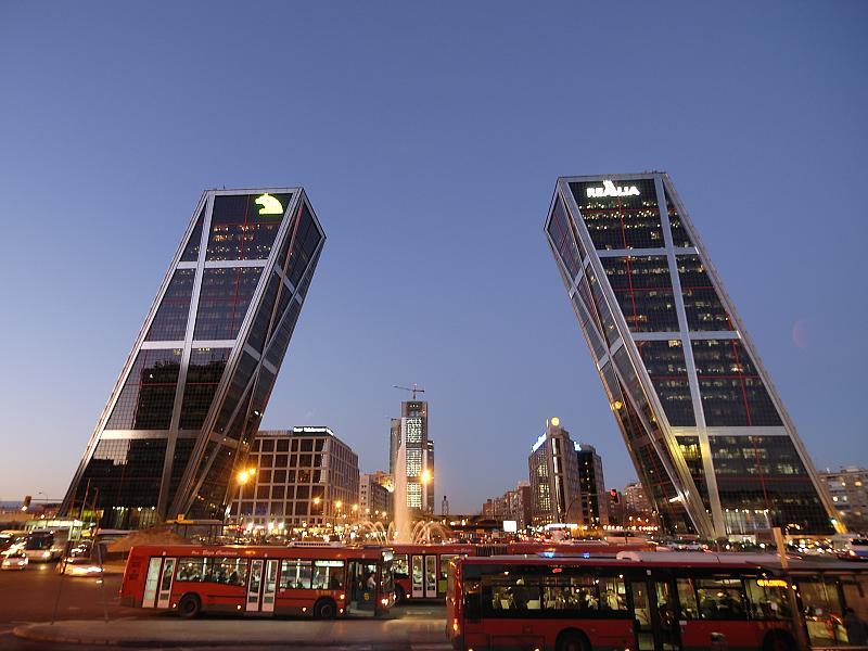 Las ventajas de viajar en autobús a las ciudades más importantes de España
