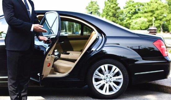 Ventajas de alquilar vehículos con chófer