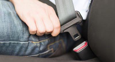 ¿Por que es obligatorio usar el cinturón de seguridad en el bus?