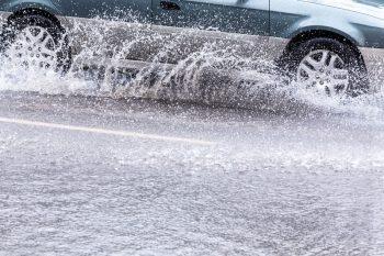 Cómo conducir con condiciones adversas de forma segura