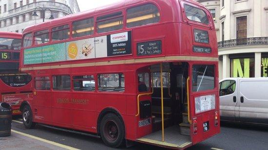 ¿Cómo funcionan los autobuses rojos de Londres?